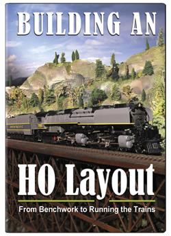Building an HO Layout From Benchwork to Running the Trains DVD TM Books and Video HOW2HO 780484961447